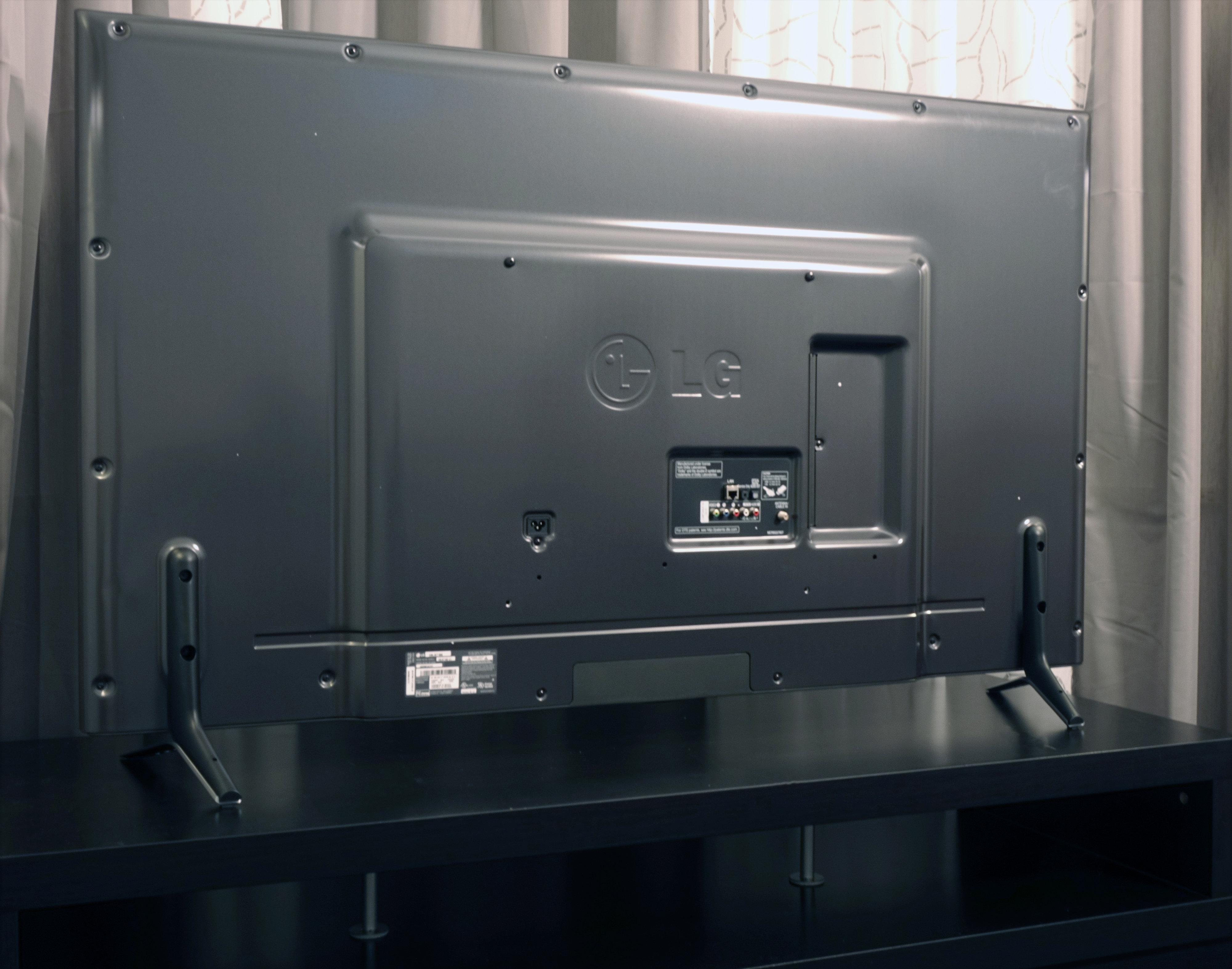 Back of the LG 60LB7100