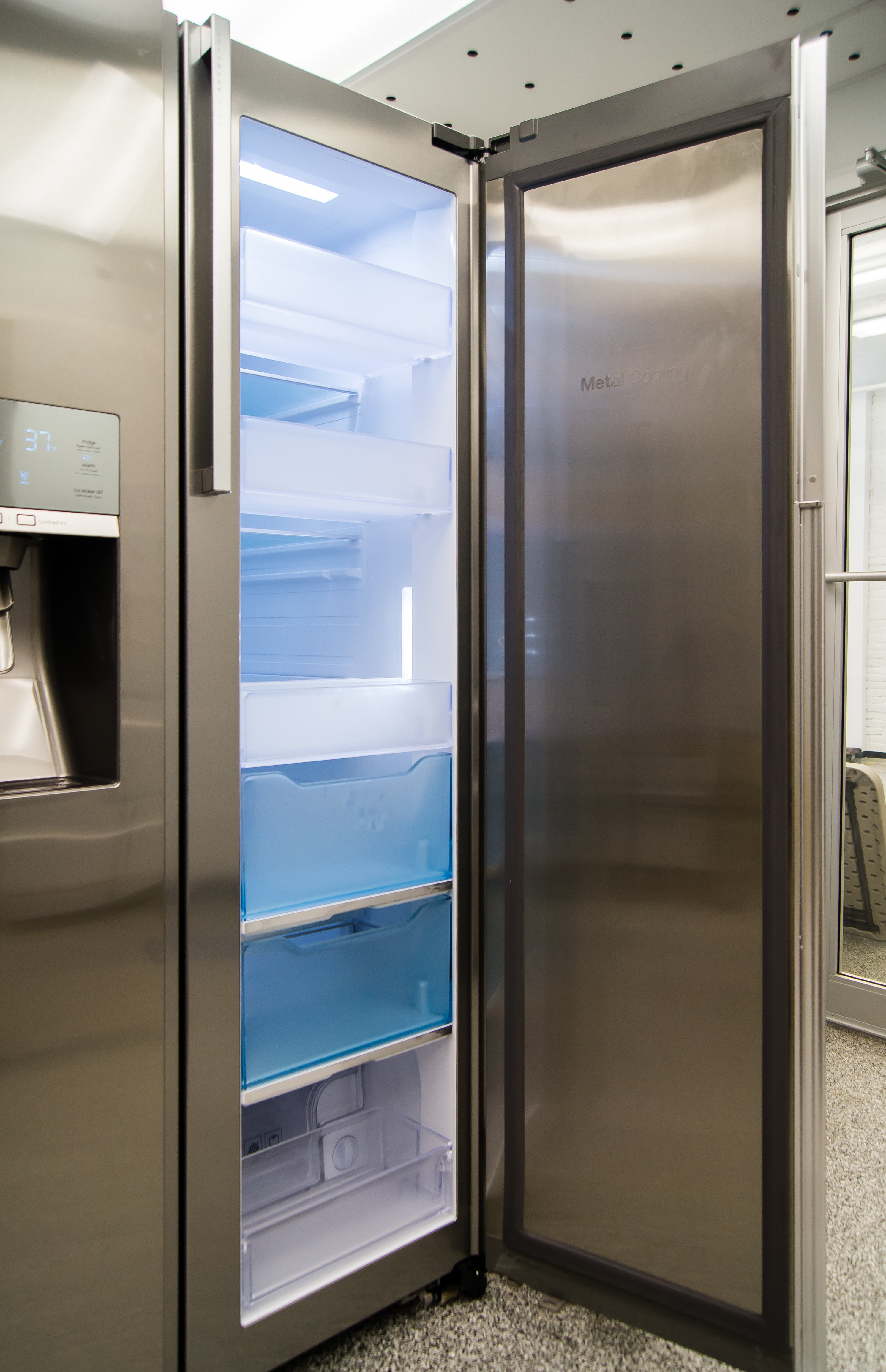 The Samsung RH29H9000SR Food Showcase's tall door-in-door compartment definitely has a positive impact on user access.