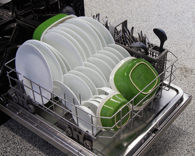 kitchenaid kdfe104dss bottom rack capacity