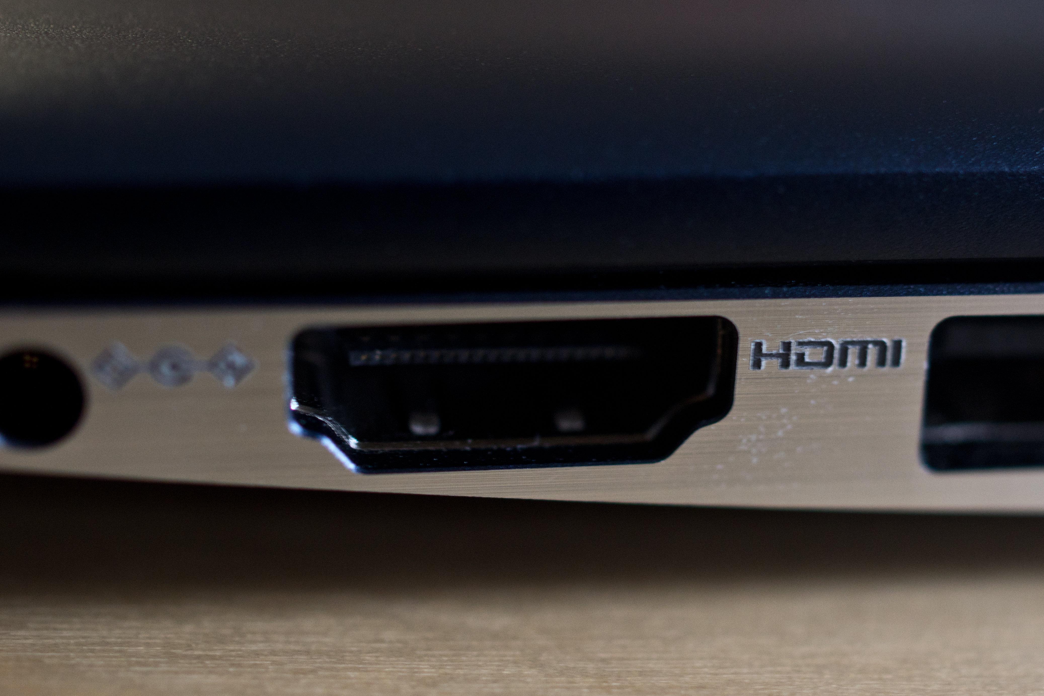 A photograph of the Samsung ATIV Book 9 2014 Edition's HDMI port.