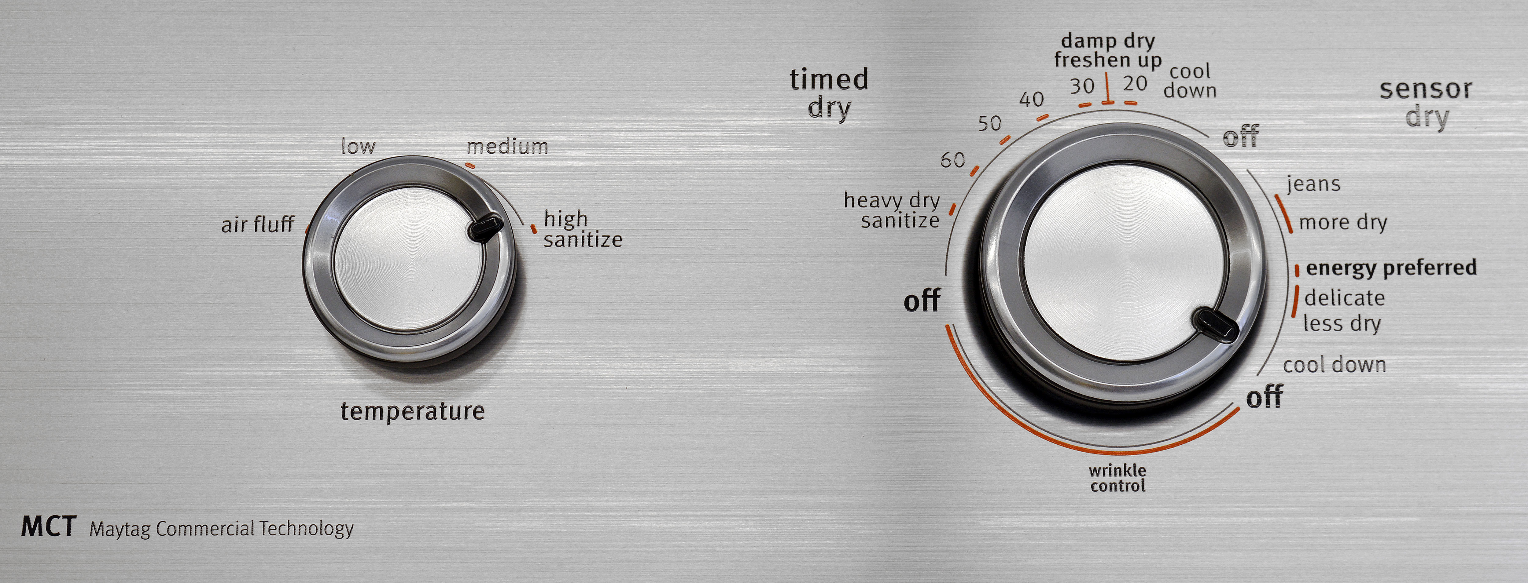 The Maytag Centennial MEDC415EW's four temperature settings can be selected regardless of the preferred cycle.