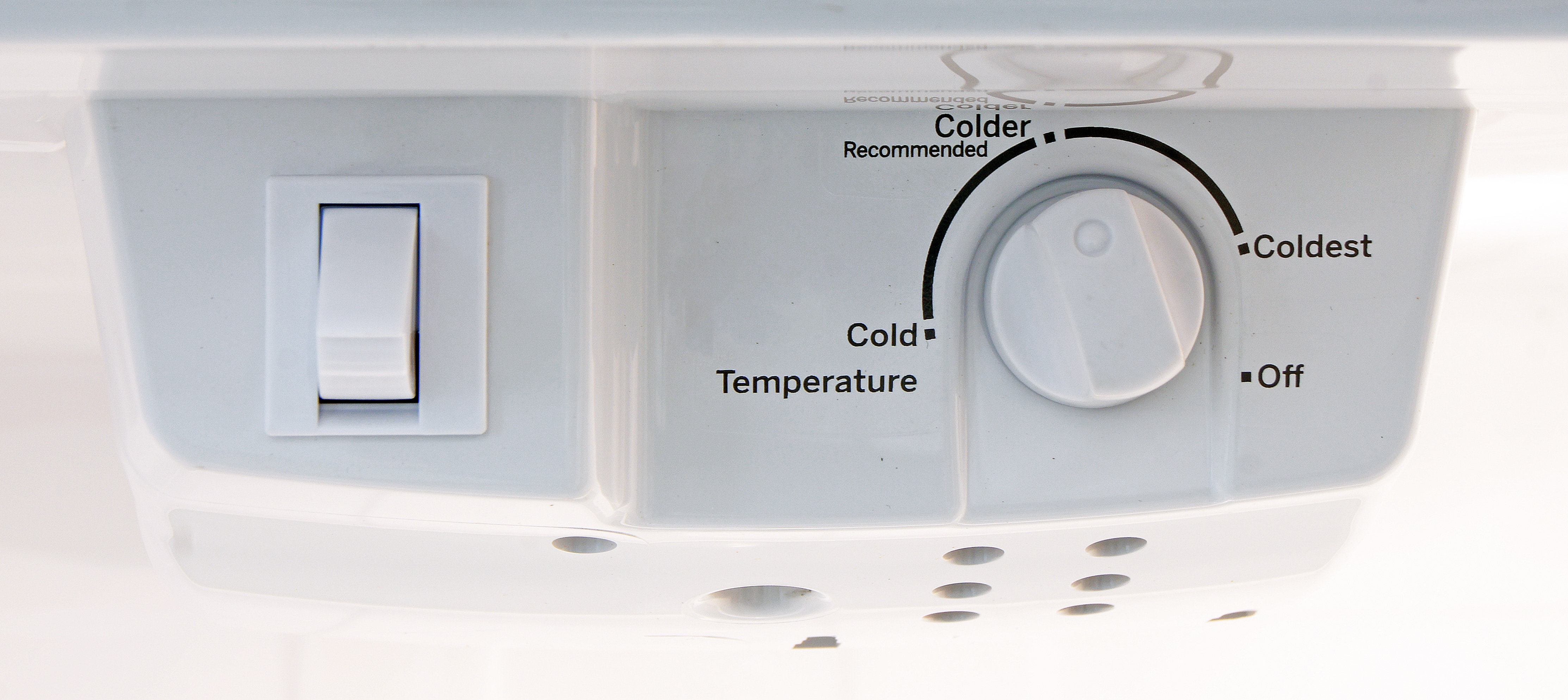 Despite the label, the GE GTE16GSHSS's recommended Colder setting isn't quite cold enough.