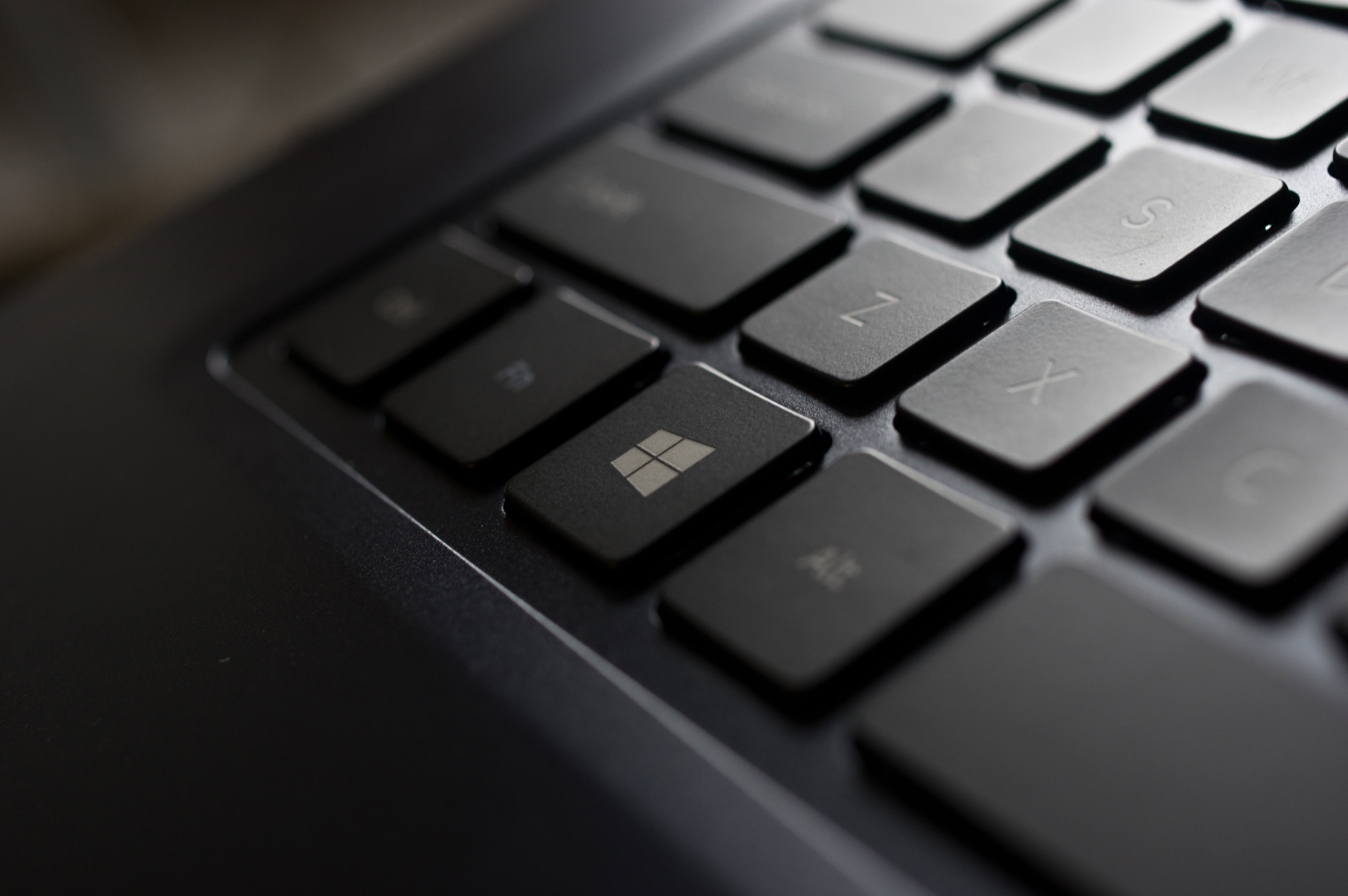 A photograph of the Samsung ATIV Book 9 2014 Edition's Windows key.
