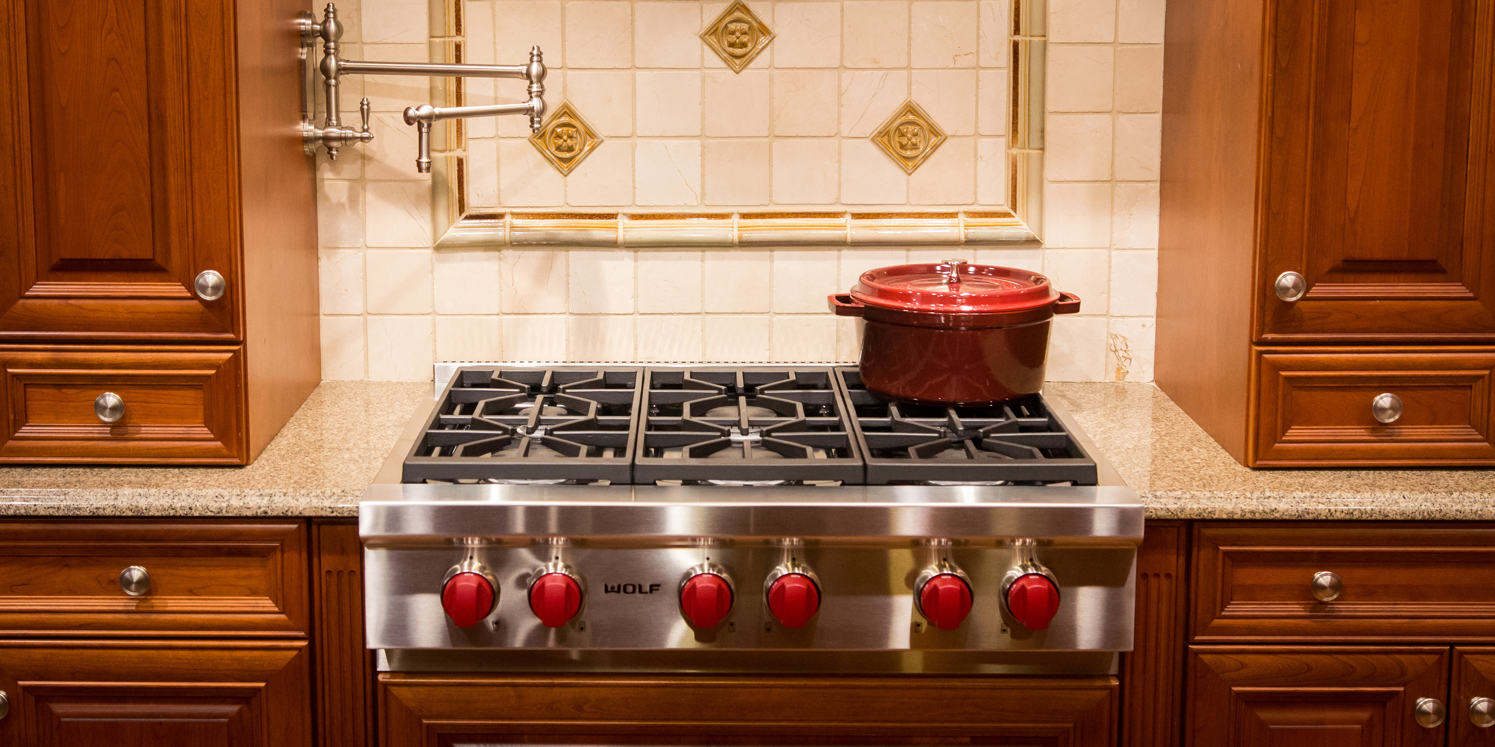 Wolf SRT366 36-Inch Gas Rangetop Review - Reviewed.com Luxury Home
