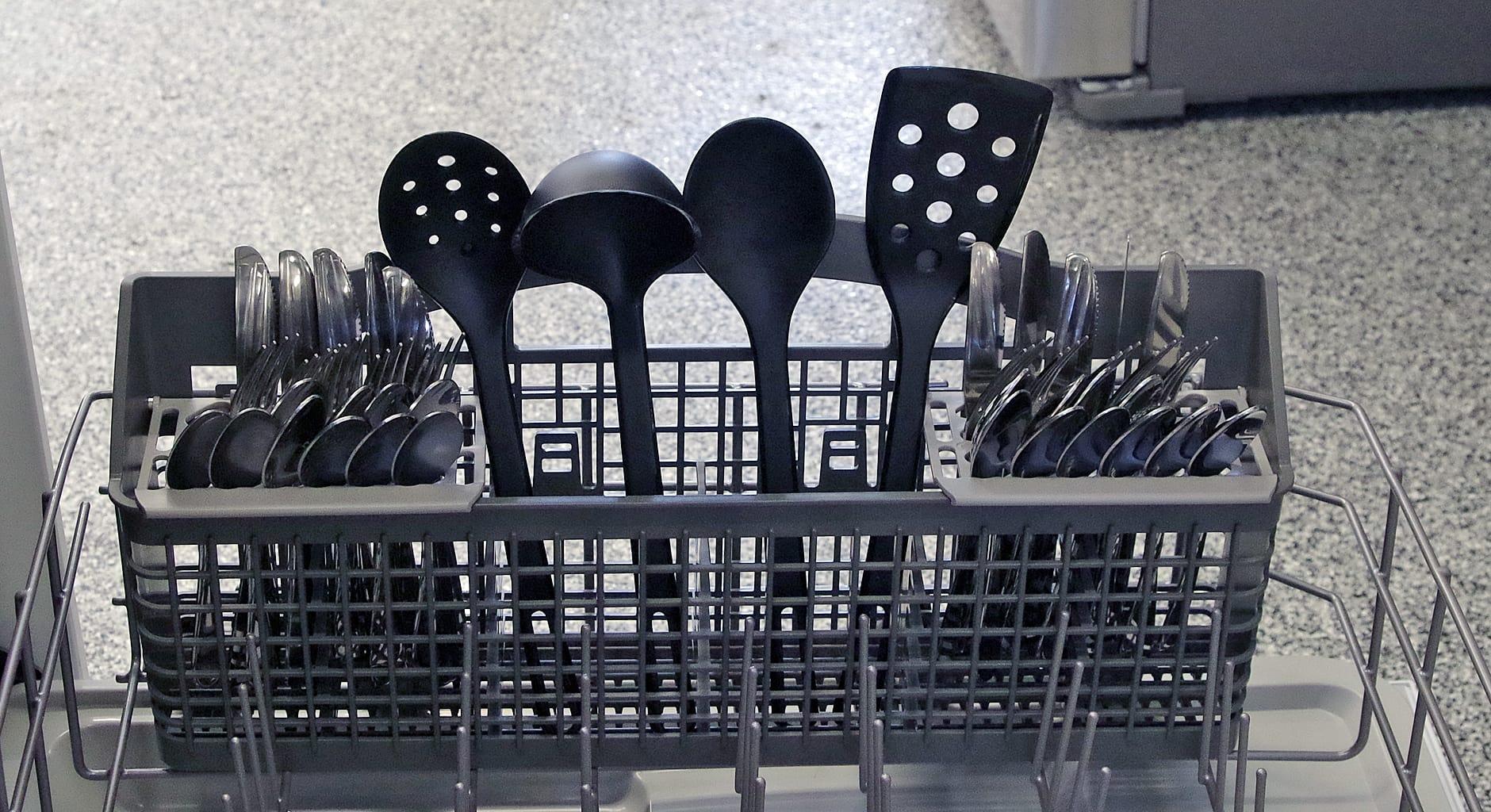 Kenmore 13042 cutlery capacity