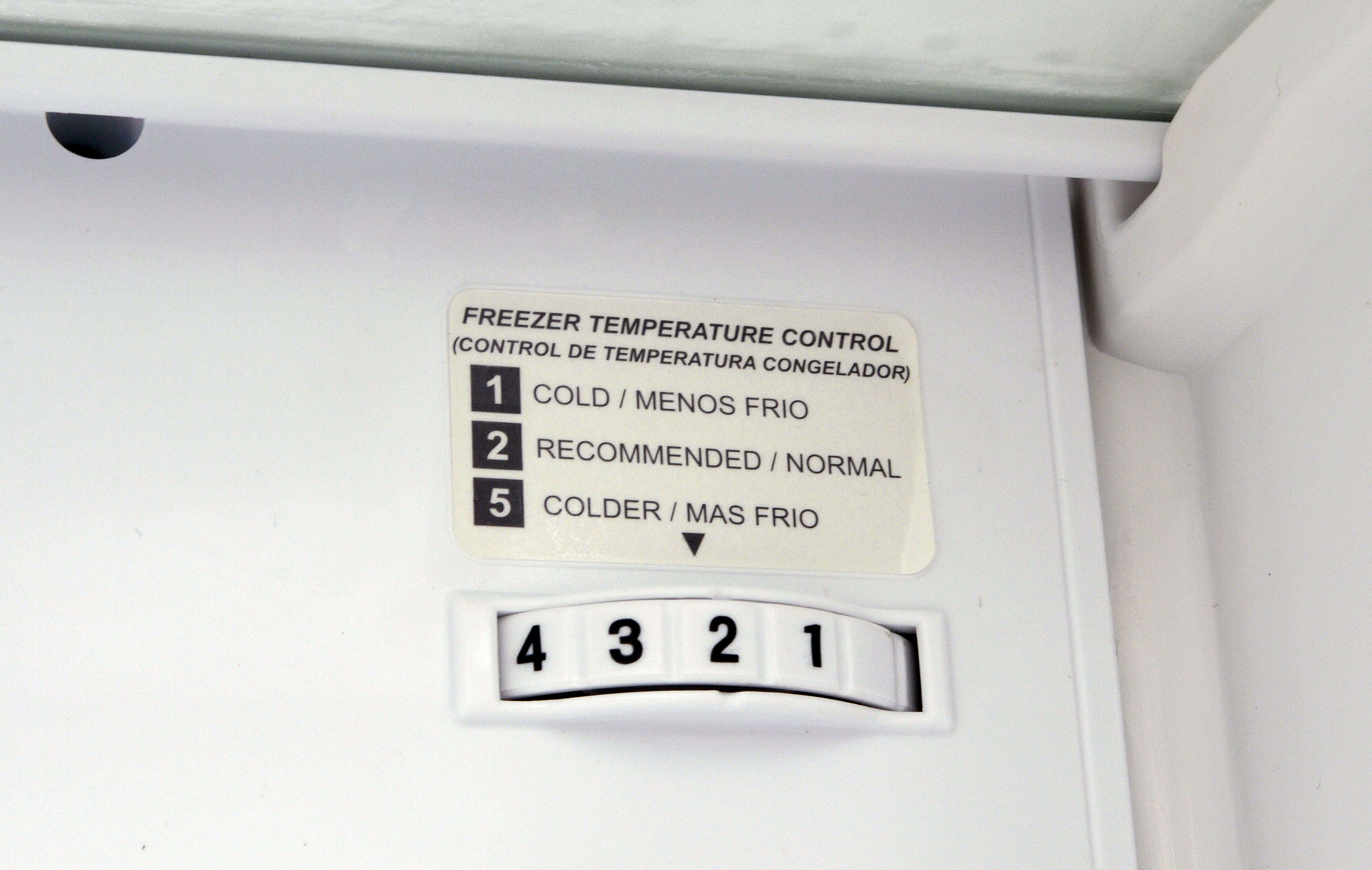 This small dial in the back of the LG LTNS16121V's freezer is a secondary thermostat; you'll want to turn it down to 3 or 4 for best results.
