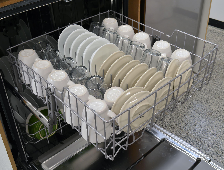 IKEA IUD7555DS top rack capacity