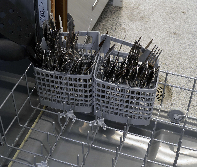 Frigidaire Gallery FGID2466QF cutlery basket capacity