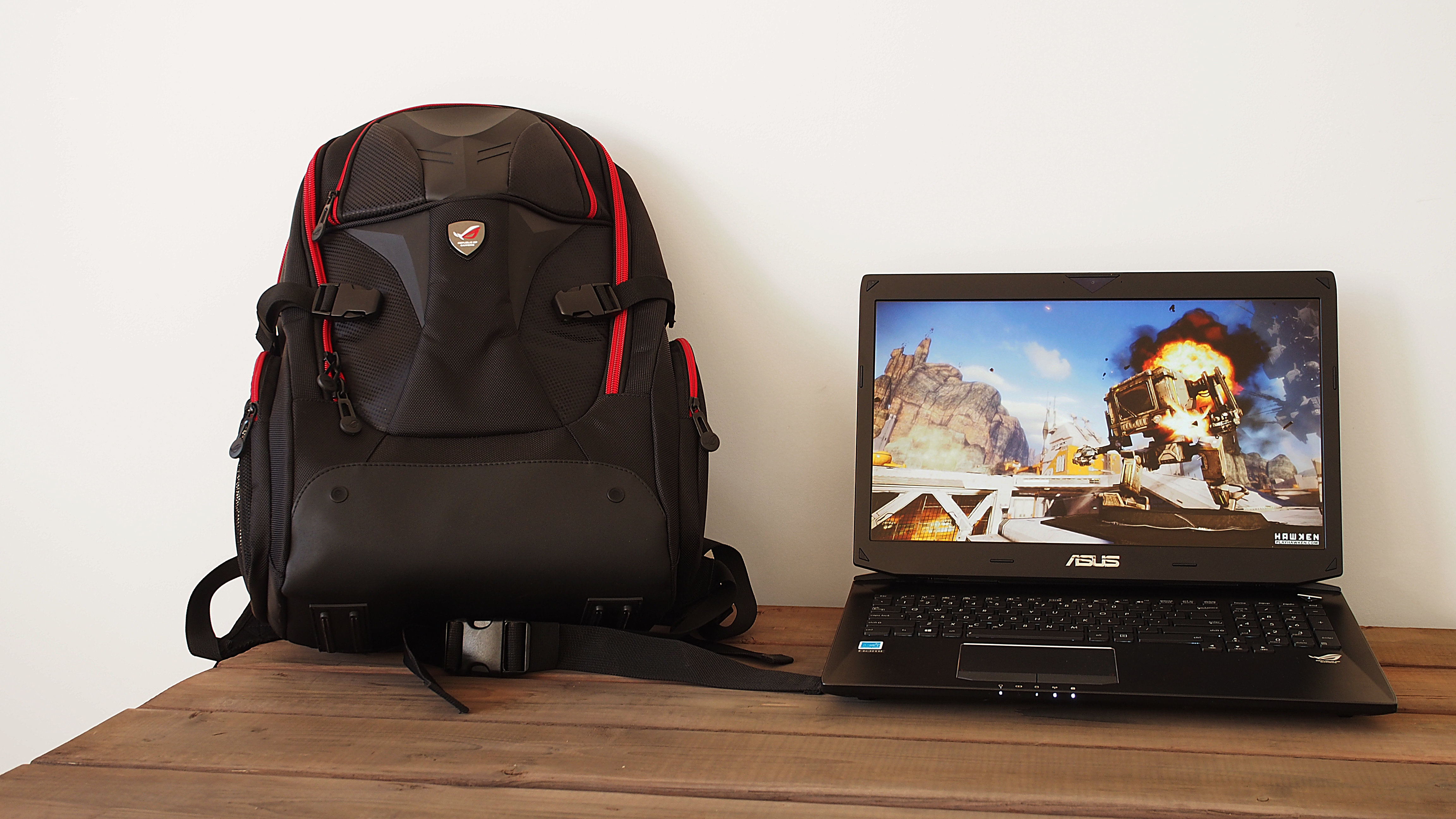 Asus sells a matching backpack for the G750JZ separately.