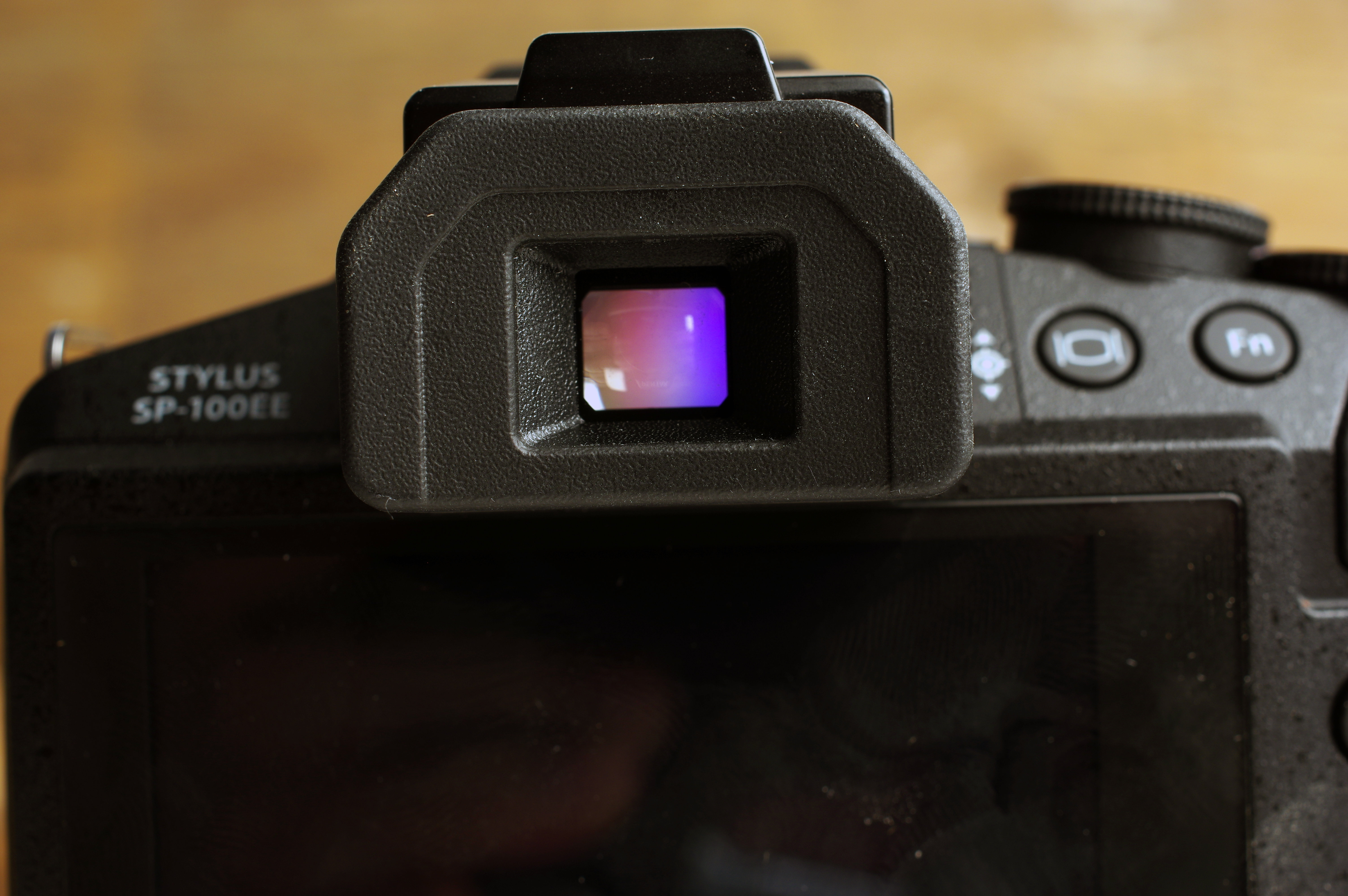 The EVF on the SP-100EE is nothing spectacular.