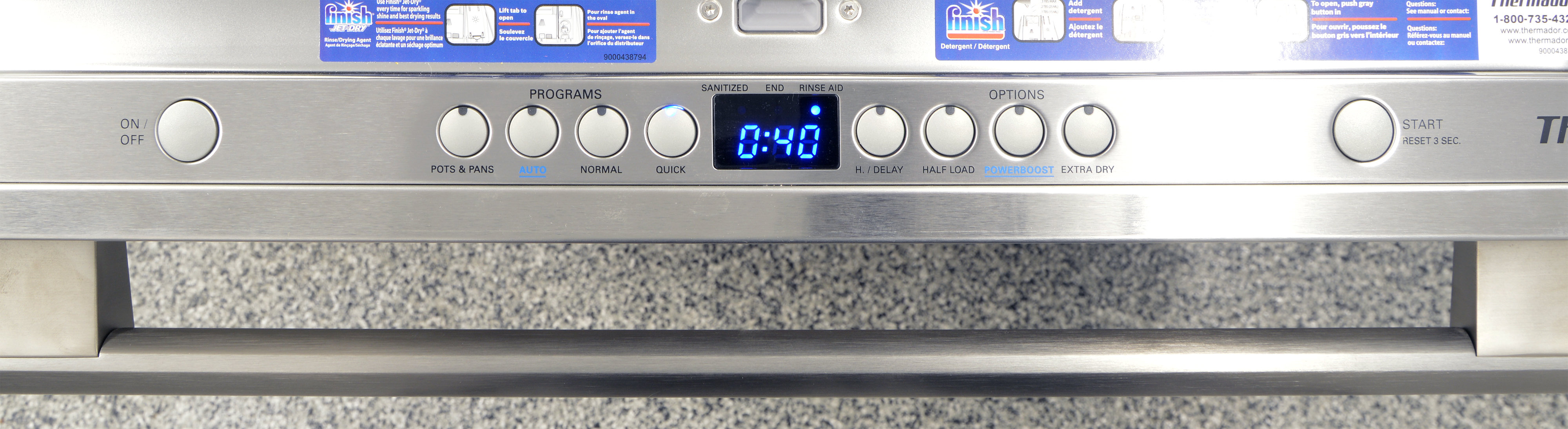 Control panel on the Thermador DWHD440MFM