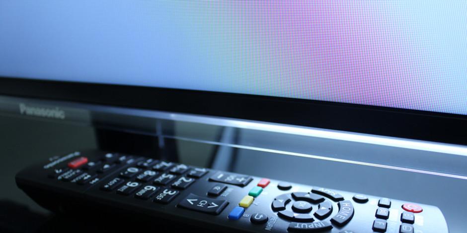 http://reviewed-production.s3.amazonaws.com/attachment/96e96cdd7a8e4c812c48a2ae13a1e12a86cc8389/Panasonic_TC-L50E60_hero1.jpg