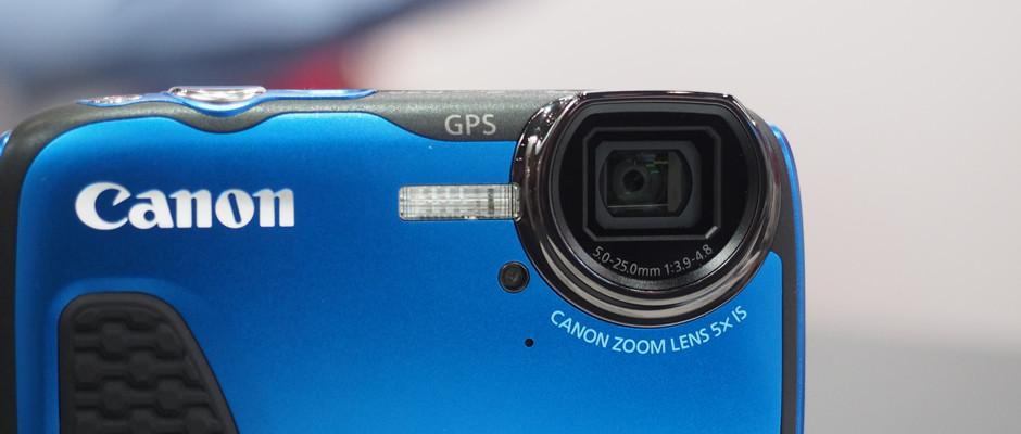 https://reviewed-production.s3.amazonaws.com/attachment/a39f4c0e2ceb447e/Canon-D30-Hero400.jpg