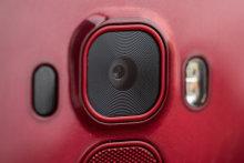 lg-g-flex-2-review-design-power-camera.jpg