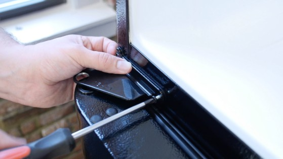 How To Reverse Your Refrigerator Door Reviewed Com Freezers