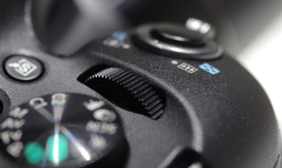 CANON-SX60-REVIEW-CONTROL-DIAL.jpg