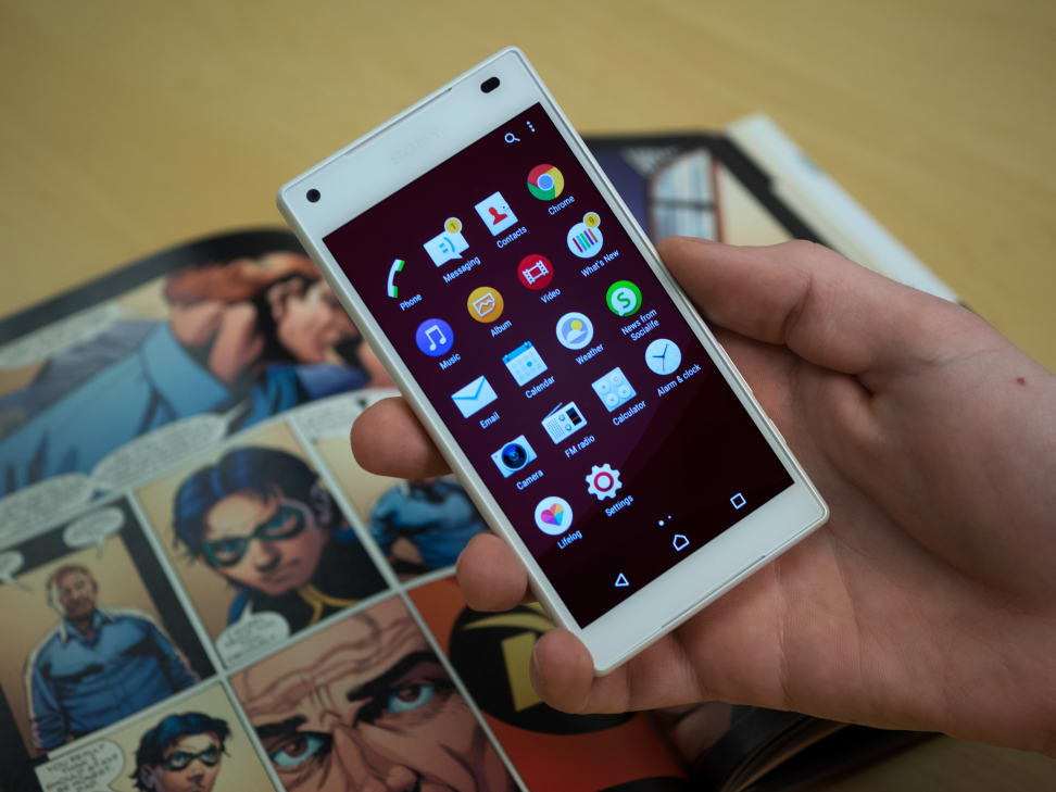 Sony Xperia Z5 Compact In Use