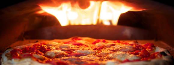 Uuni 2 pizza oven hero