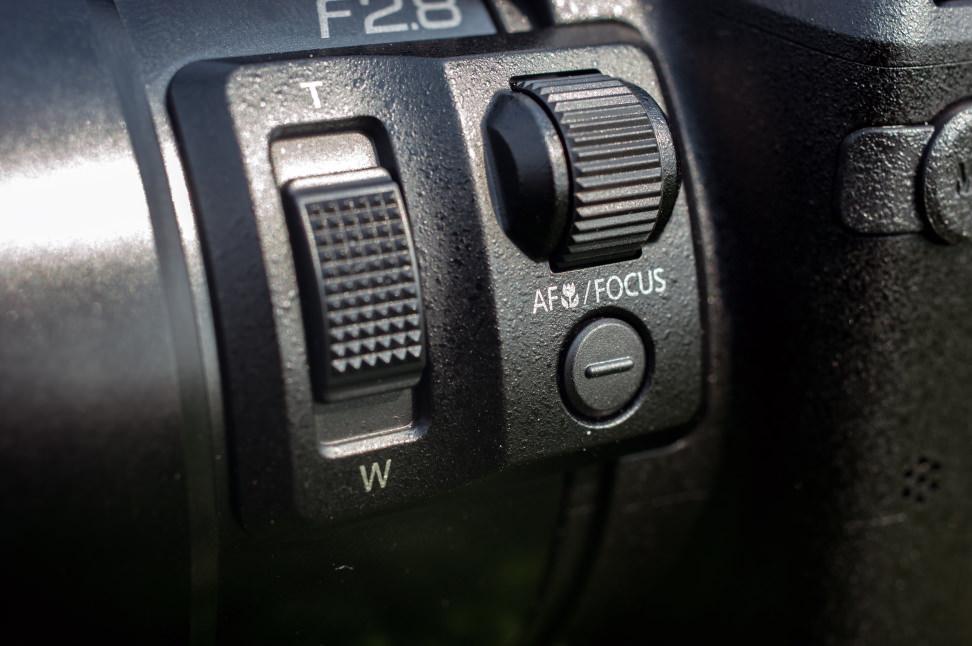 Panasonic Lumix DMC-FZ300 Lens Controls