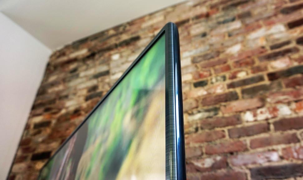 LG-50LF6100-Bezel.jpg