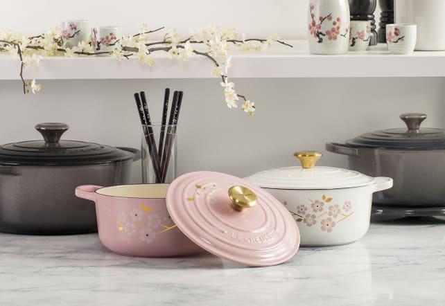 """""""Sakura"""" cherry blossom Dutch oven"""
