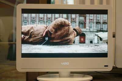 Vizio-VA190E-W_front.jpg