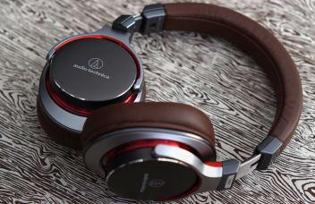 Category header headphones notext