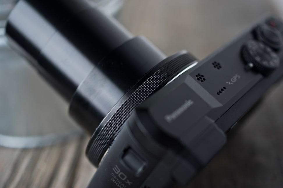 Panasonic-ZS40-review-design-ring.jpg