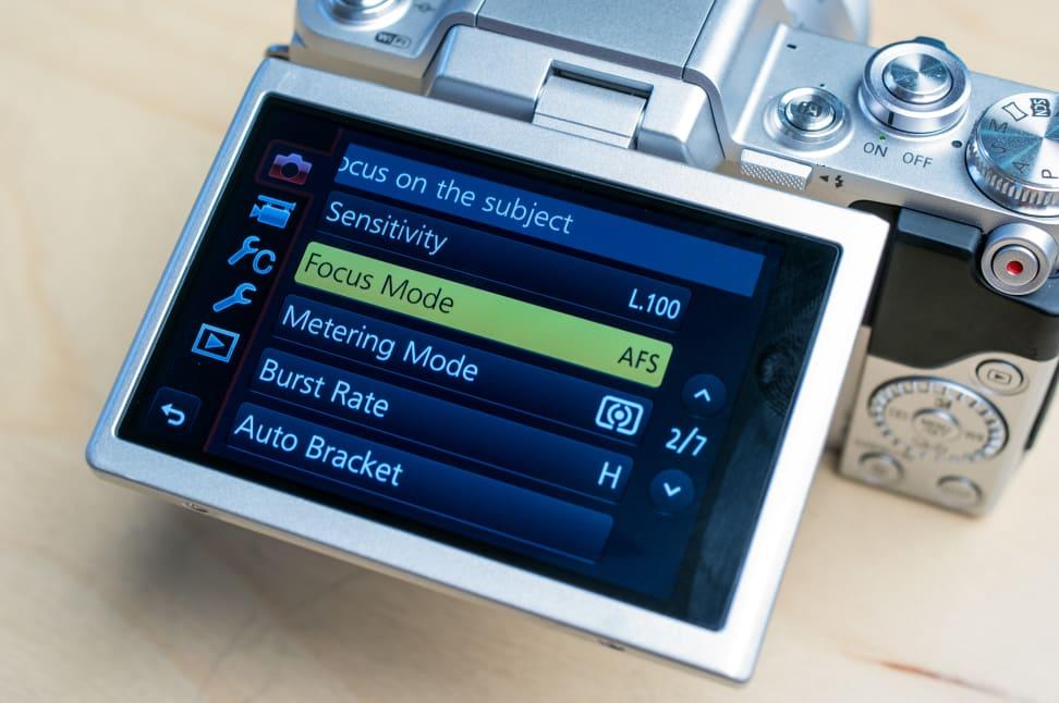Panasonic Lumix DMC-GF7 Rear LCD