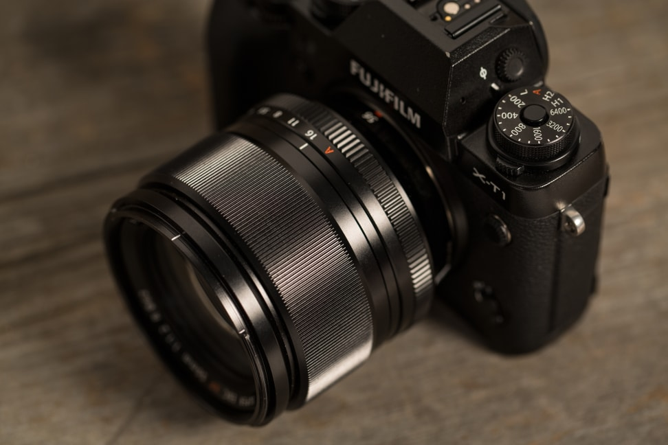 fuji-56mm-f1p2-review-design-on-camera.jpg