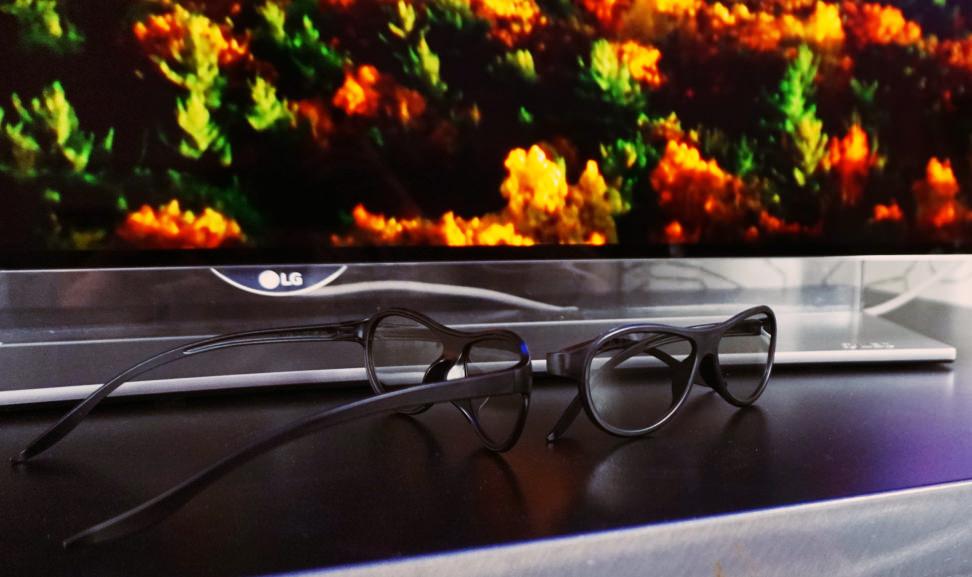 LG-65EG9600-3D-Glasses
