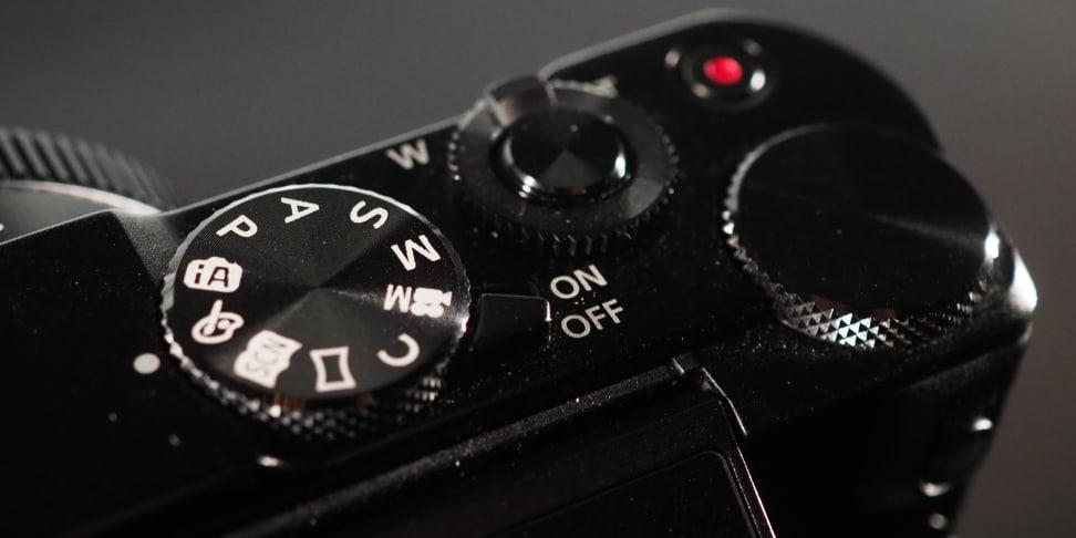 Panasonic Lumix LX10 top controls