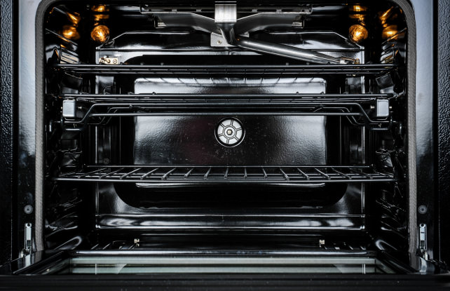 The pros and cons of gas vs electric cooking ovens - Gas electric oven best choice cooking ...