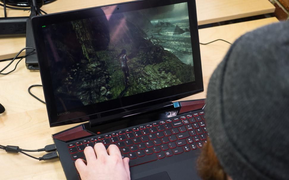 Lenovo IdeaPad Y700 Gaming 2