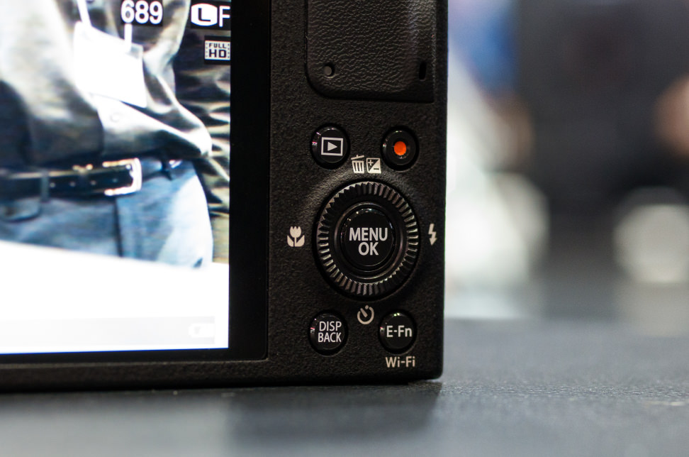 fujifilm-xq2-rear-control.jpg