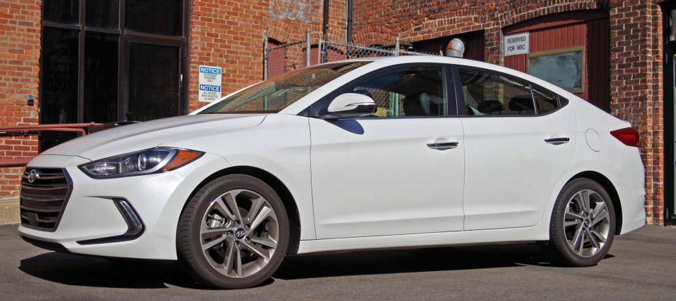 2017 Hyundai Elantra Side