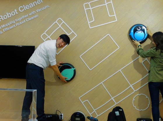 moneual-robot-IFA.jpg