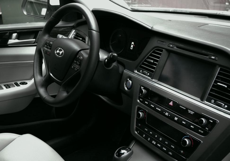 2016 Hyundai Sonata Plug-In Hybrid Interior