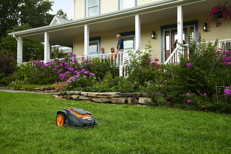 smart gadgets for gardening, lawn care, and yard work, Natural flower
