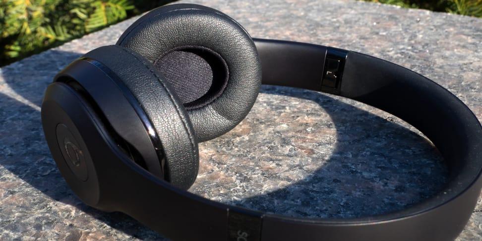 Beats Solo3 Wireless Unfolded