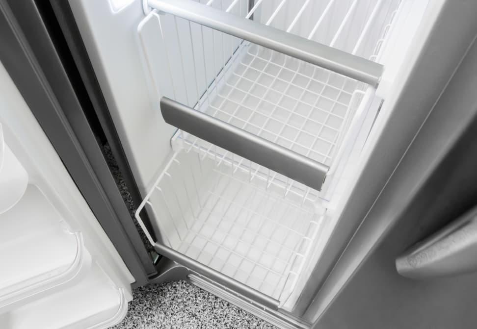 Frigidaire-FGSC2335TF-freezer-drawers