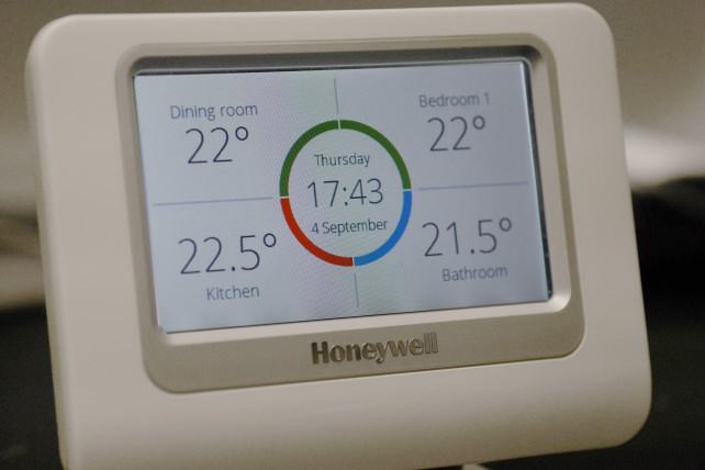 Honeywell-evohome-controller.jpg