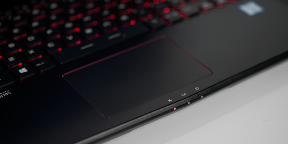 MSI GS40 Phantom Trackpad