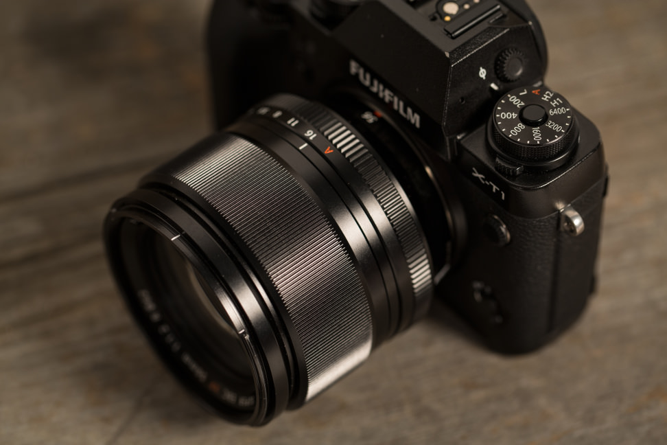 fuji-56mm-f1p2-review-design-on-camera.jpg