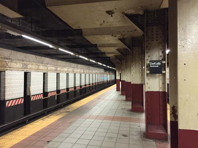 Apple iPhone 6 Subway Sample