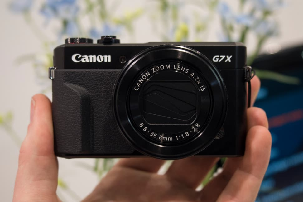 Canon G7 X Mark II Front View