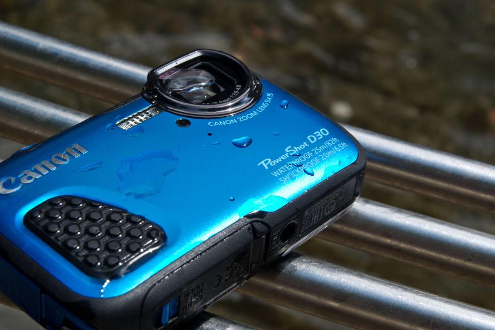 canon-powershot-d30-review-design-label.jpg