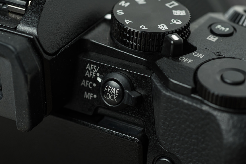 Focus mode switch