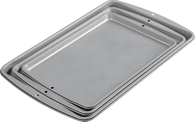 Product Image - Wilton Recipe Right 3 Piece Cookie Pan Set