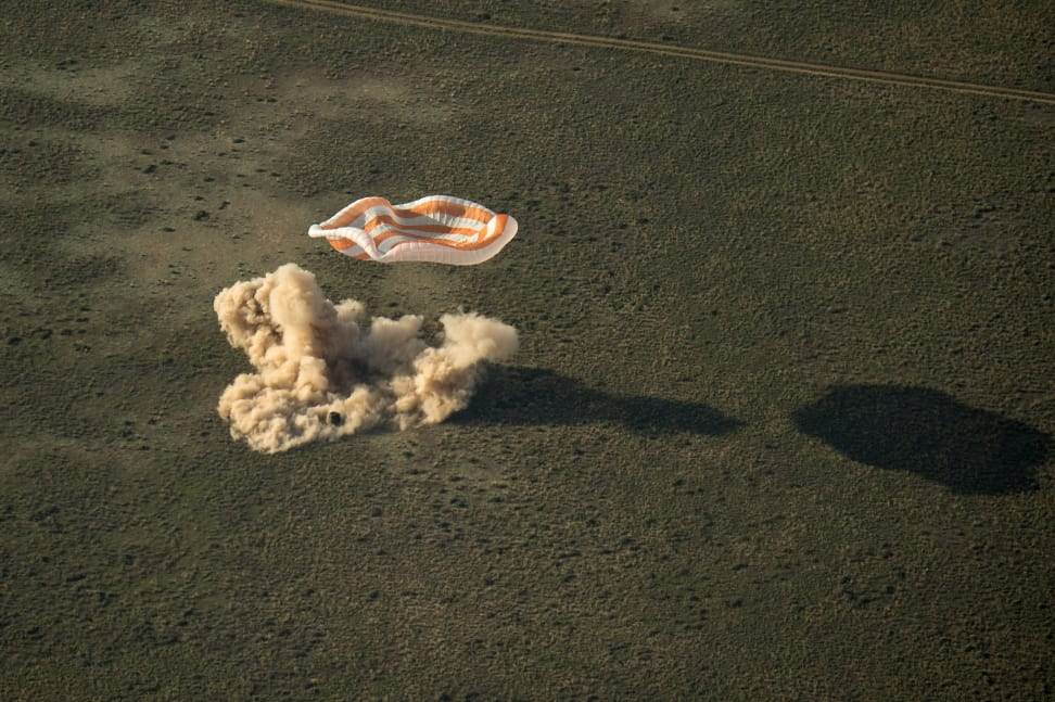 Soyuz Expedition 39 Landing.jpg